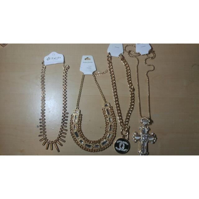 Necklaces/Faux-Jewellery