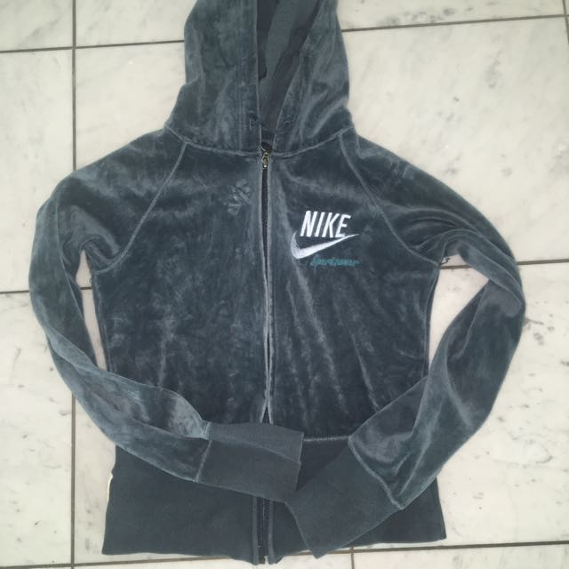 Nike Jumpers, Small & Medium