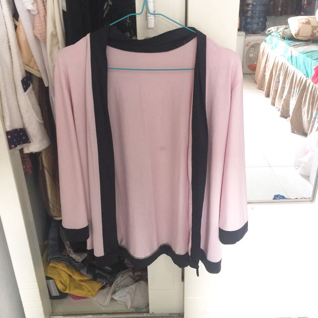 Outer Pink Hitam