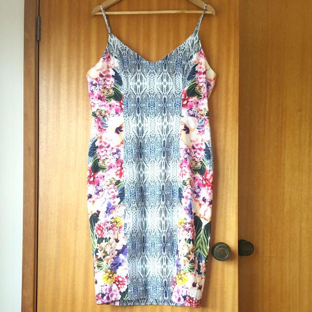Portmans Patterned Dress - Size 16