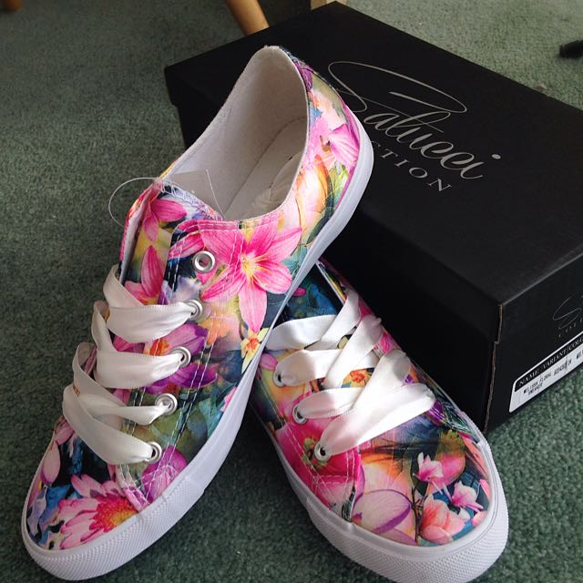 Satucci Floral Canvas Sneakers