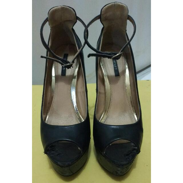 Sepatu High Heels Hitam Forever 21