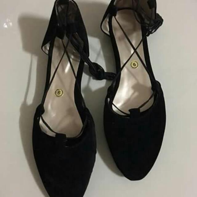 Size 9 - Flat Strappie Shoes
