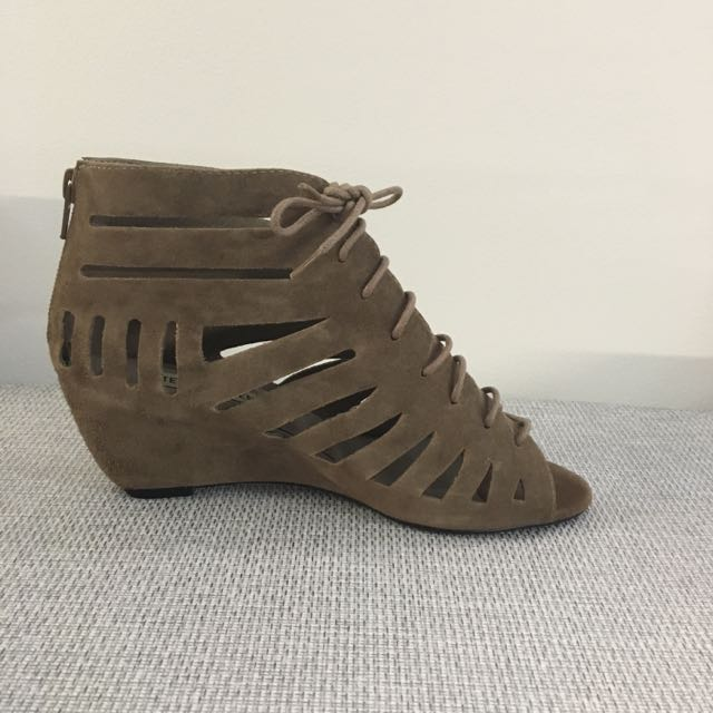 Steve Madden Brown Suede Sandals