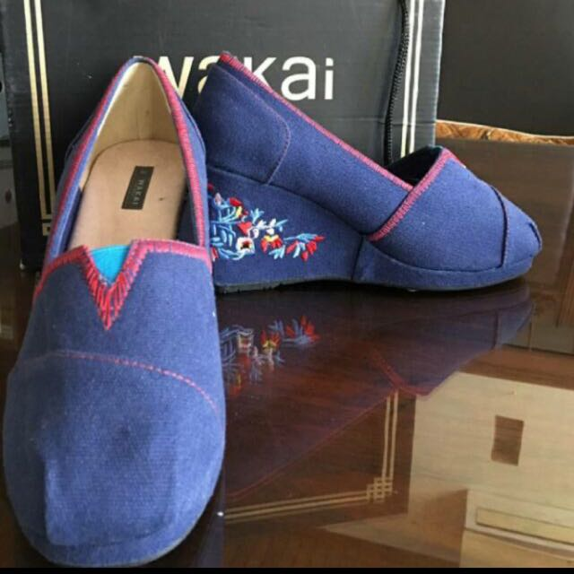 Wakai Wedges Size 38