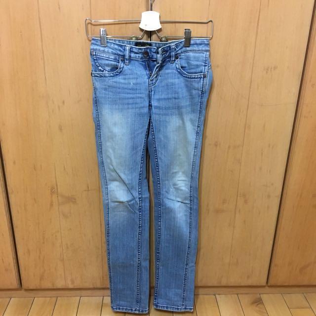 Wrangler牛仔褲