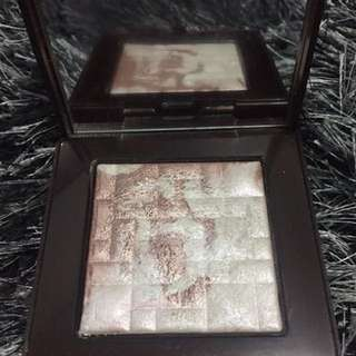 REPRICED! Bobbi Brown Highlighting Powder In Pink Glow