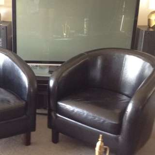 x2 Stylish Tub Chairs