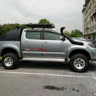 Continue Loan Toyota Hilux Trd
