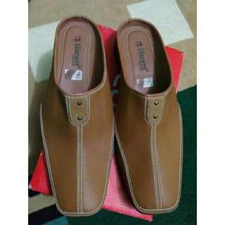Sepatu Pria Semi Formal