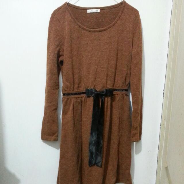 咖啡色洋裝
