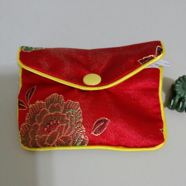 玉質十字墜飾 (含中國風小包,不含鏈子)