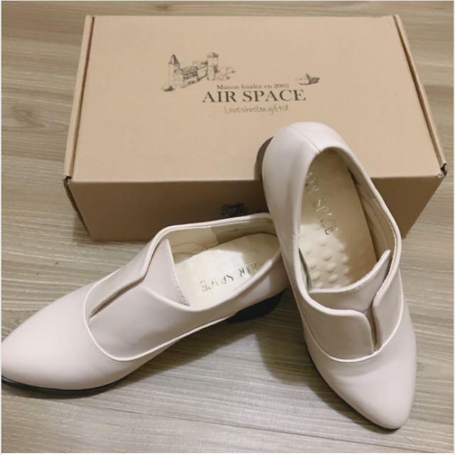 Air Space 極簡V口羊紋紳士鞋