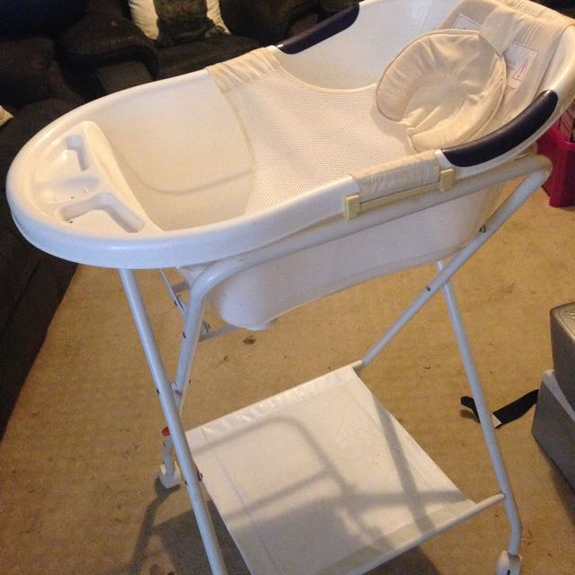 Baby Bath N Stand Never Used