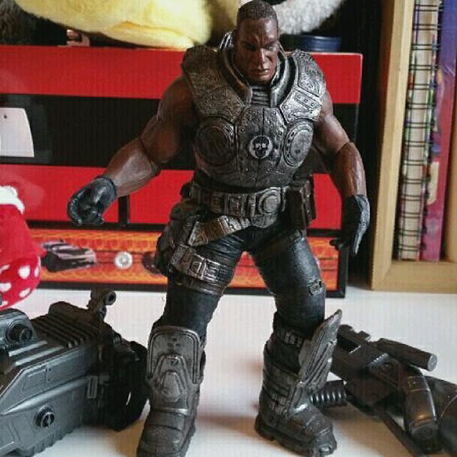 Gears of War: Series 1 Augustus Cole Action Figure  Missing gun but i can include 2 big guns Price still negotiable