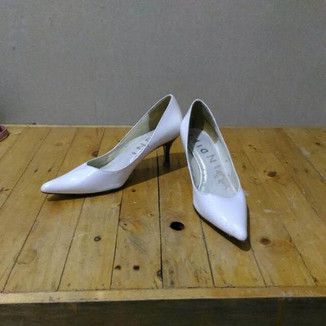 Indivi Pointed White Shoes