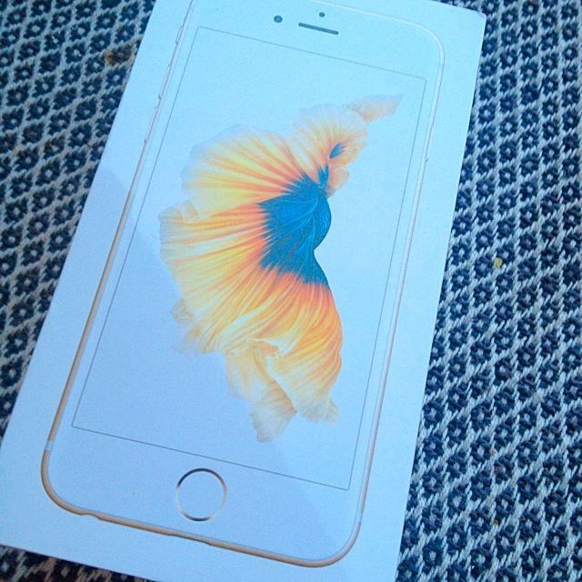 iPhone 6s Gold Sealed In Box