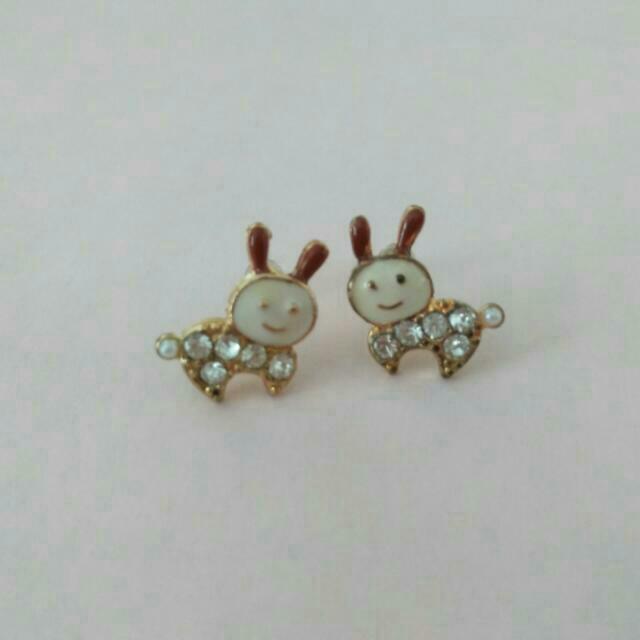 Korean Jewelry: Cute Rabbit Earrings