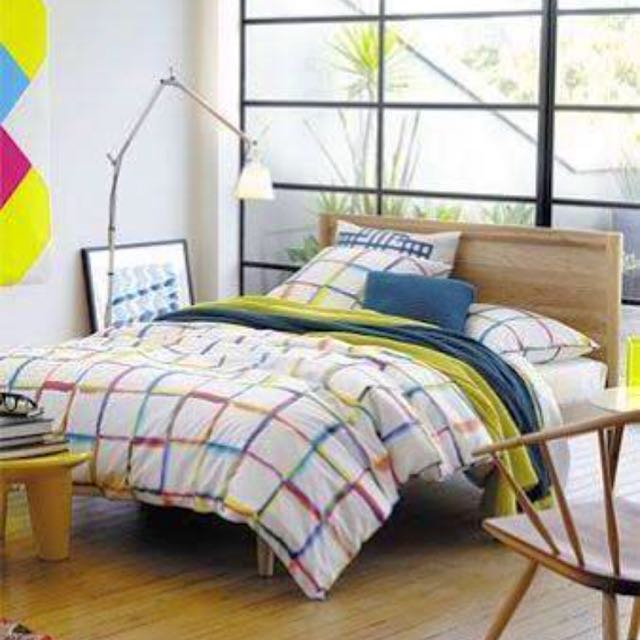 Sheridan King Bed Cover And Pillows