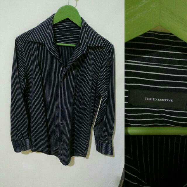 The Executive Striped Long-sleeved Shirt (black)