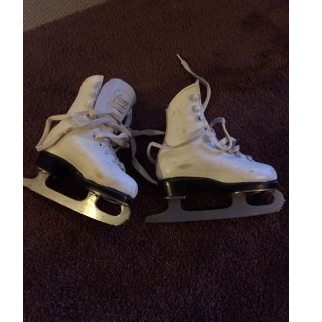 toddler ice skates - size 9