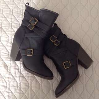 size 9 bootie