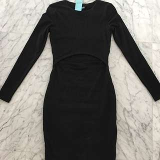 Kookai Long Sleeve Dress With Front Cut-out Detail (black Size 6)