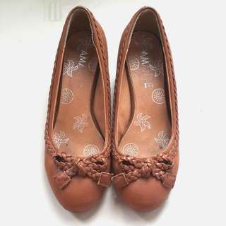 Sepatu Amante Coklat Tan