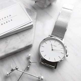 BRAND NEW KLARF Silver Mesh Watch