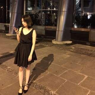 美背小洋裝