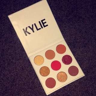 Kylie Eyeshadow- The Burgundy Palette