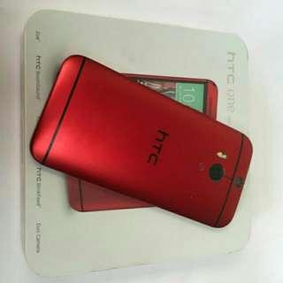 M8 ONE紅色16G,不二價,九成新 ,有手機盒裝內有耳機,充電器,外殼有些小刮傷,手機都正常 副16G記憶卡。