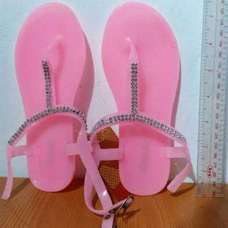 Brandnew Sandals For Kids Girl
