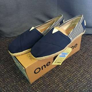 TOMS New! Classics Women's Size 9.5