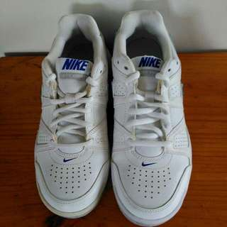 Women's Nike's Shoes Size 7.5