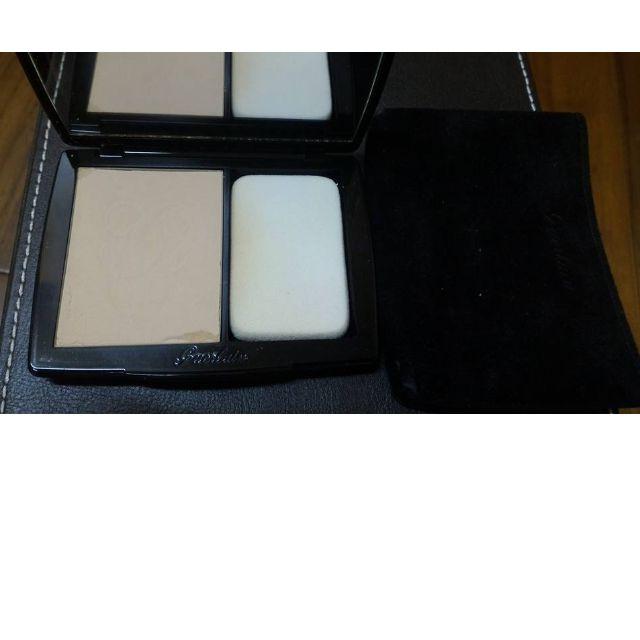 嬌蘭輕裸感柔紗粉餅 #01 Pale beige