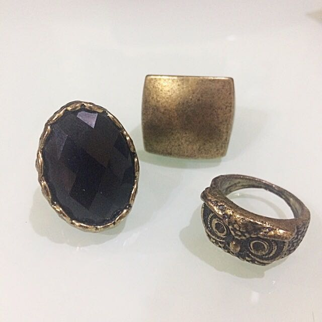 A Set of Edgy Rings ( 3 Cincin for SALE )