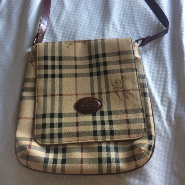 Burberry Cross body Purse