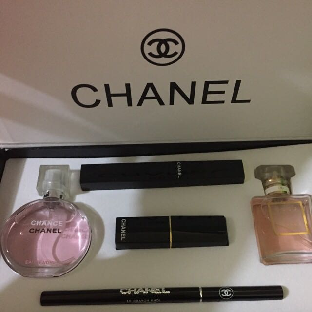 Chanel Pack