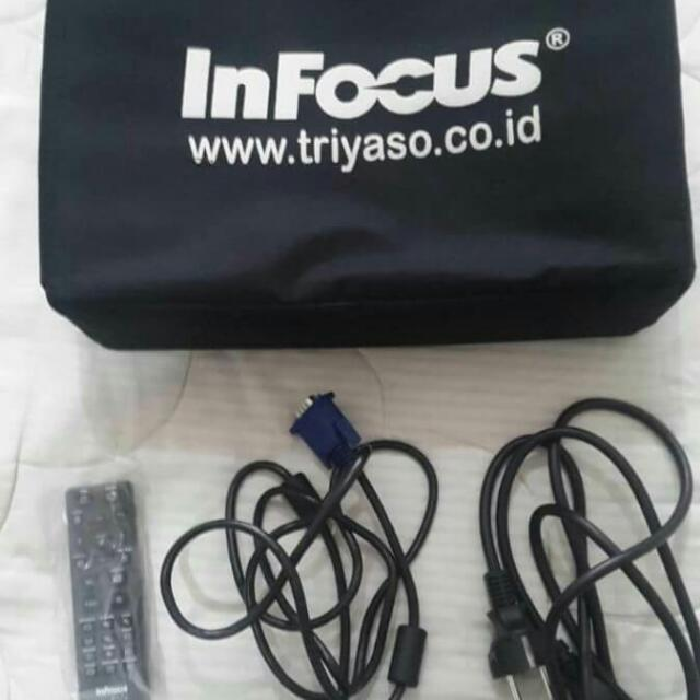 Infocus IN114
