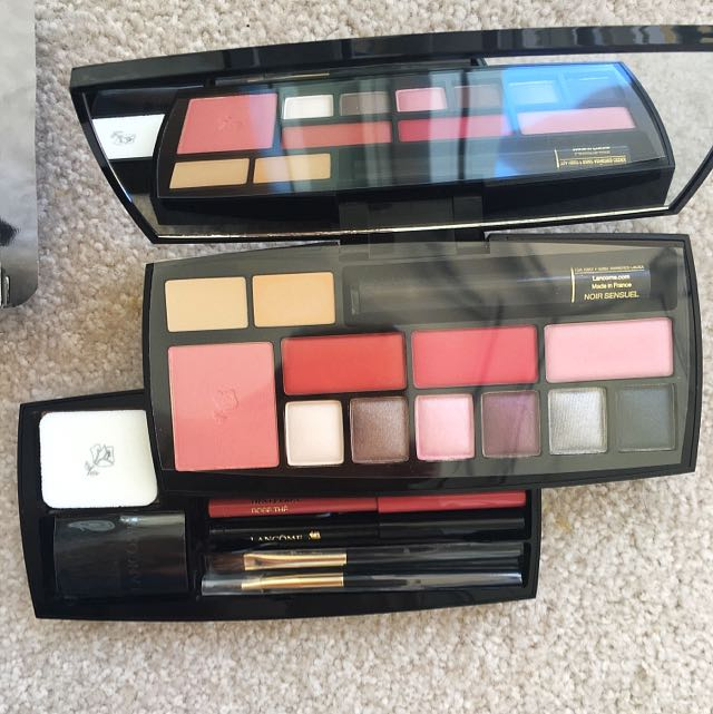 Lancome Travel Exclusive Absolu Voyage Complete Expert Make Up Palette