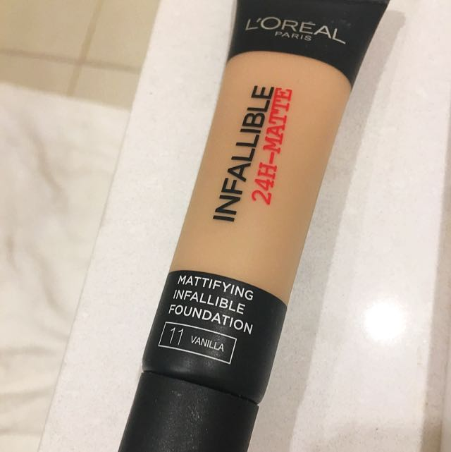 L'oreal Infallible 24H Matte Foundation In 11 Vanilla