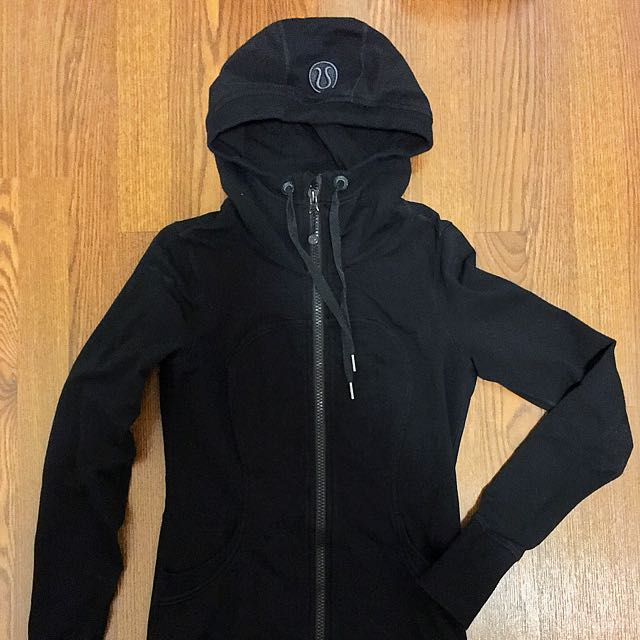 Lululemon Longer Length Hoodie (size 6/4)