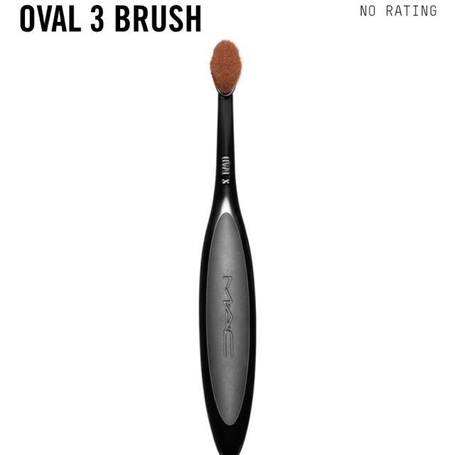 MAC OVAL BRUSH 3