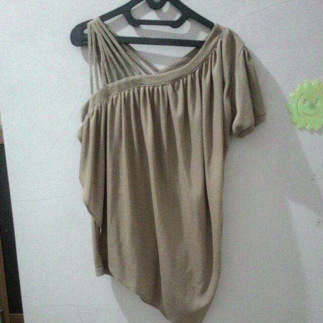 Mineola One Shoulder Shirt
