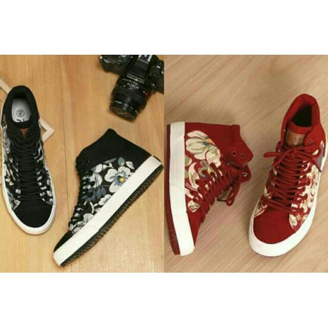 Sandra Black Sneakers C5540 Size: 35 37 39 Sandra Red Sneakers C5540 Size: 35 36 37