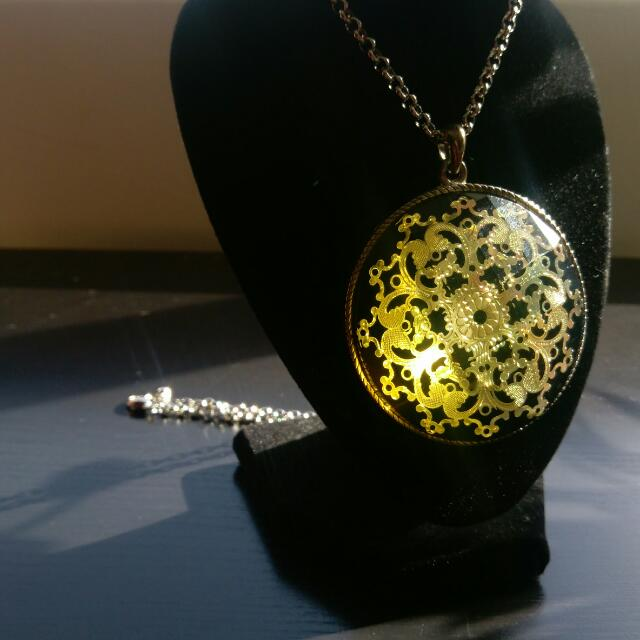 SOLD Gold Intricate Detail, Round Pendant (LARGE)