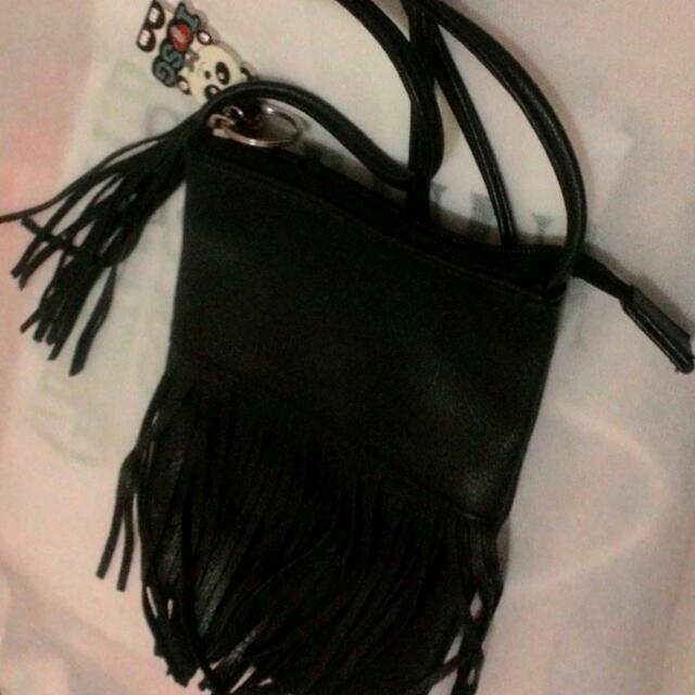 Zada Sling Bag