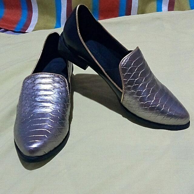 RESERVED 🎉ZALORA Shoes Size 5