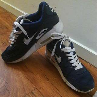 Size 9 Womens Nike Air Max